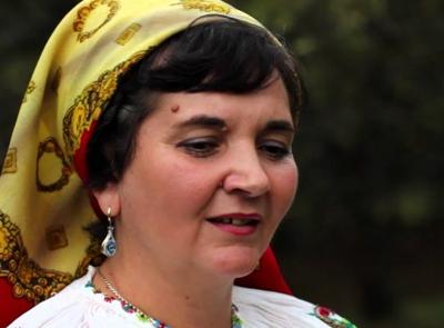 Mariana Morcan este angajată pe postul de solistă vocală